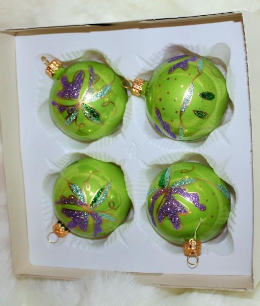 gröna julgranskulor